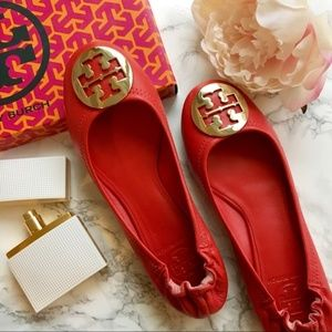 Women's TORY BURCH Red Leather Ballet Flats Gold 8